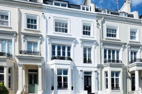 5 bedroom terraced house to rent - Alma Square, NW8