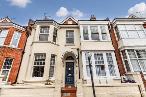 2 bedroom flat for sale - Addison Road Hove East Sussex BN3