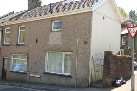 2 bedroom property to rent - Gwalia Buildings, Commercial Street, Ogmore Vale, Bridgend. CF32 7BL