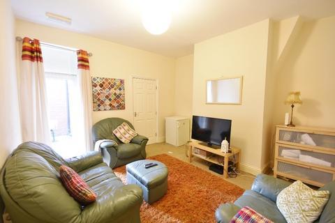 3 bedroom flat for sale - Tavistock Road, Newcastle Upon Tyne