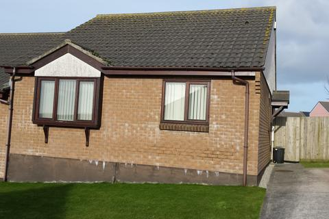 2 bedroom semi-detached bungalow to rent - Carknown Gardens, Sandy Lane, Redruth TR15