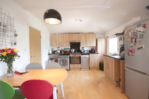 2 bedroom flat to rent - Bartholomew Road, Kentish Town, NW5
