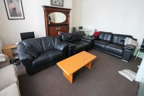 House to rent - 20 Bainbrigge Road Headingley  Leeds