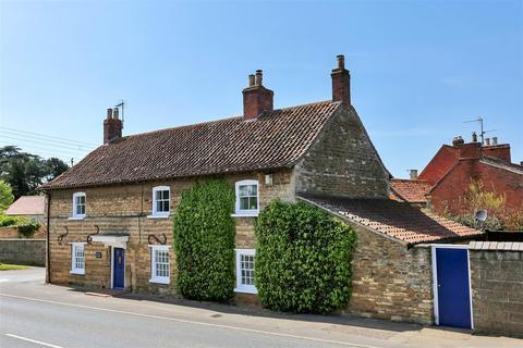 4 bedroom cottage for sale - Main Road, Barkston, Grantham