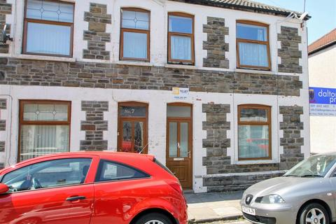 4 bedroom end of terrace house for sale - Thesiger Street, Cardiff