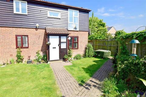 2 bedroom apartment for sale - Oak Tree Close, Marden, Kent