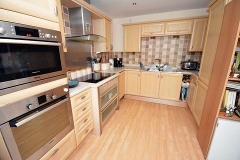 2 bedroom apartment for sale - Ocean Buildings, Cardiff Bay