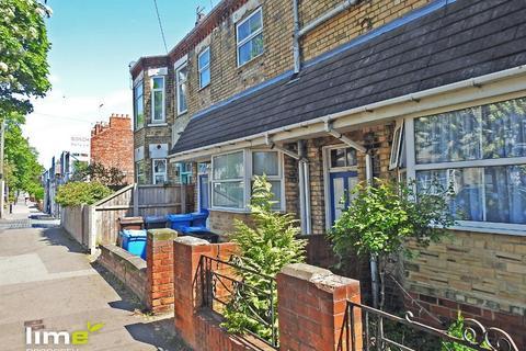2 bedroom flat to rent - Albert Avenue, Hull, HU3 6QG