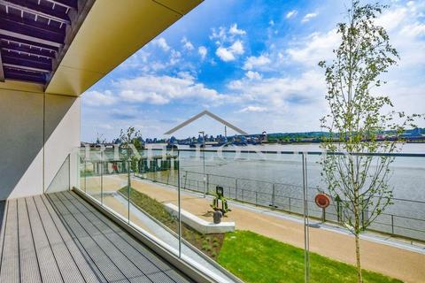 2 bedroom apartment for sale - Liner House, 16 Admiralty Avenue, Royal Wharf