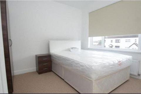 House share to rent - Heaton Avenue, Harold Hill RM3 7HR