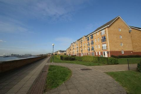 2 bedroom flat to rent - Timber Court, Grays