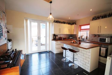 2 bedroom semi-detached house to rent - Worthing Grove, Atherton, Manchester, Greater Manchester.
