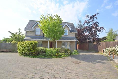 4 bedroom detached house to rent - Saltings Crescent, West Mersea, Colchester