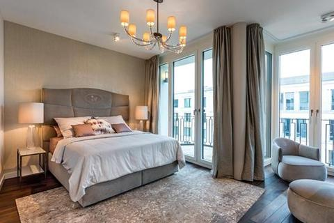 4 bedroom apartment  - Crown Prince's Gardens, Werderscher Markt 12, Mitte, Berlin
