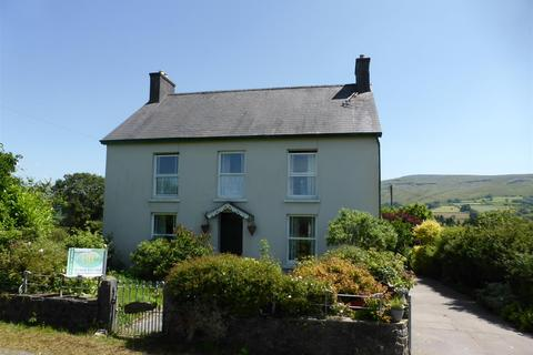 4 bedroom property with land for sale - Gwynfe, Llangadog