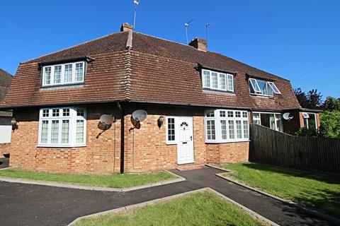 2 bedroom semi-detached house to rent - Dedmere Road, SL7 1PG