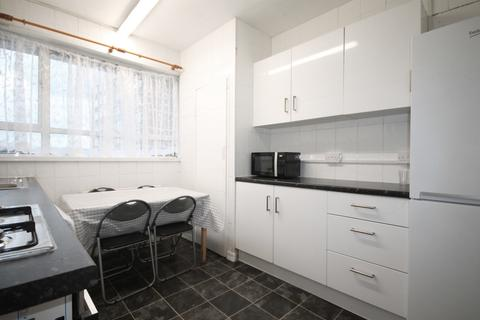 4 bedroom flat to rent - Blemundsbury, Dombey Street, Russell Square, WC1N