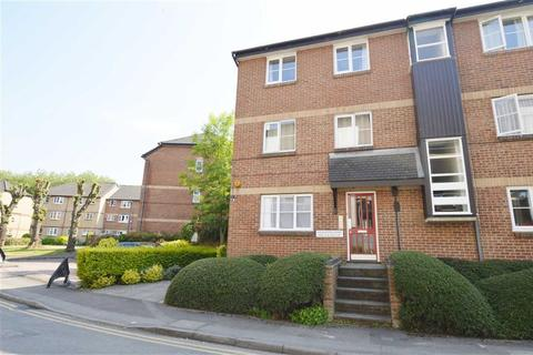 2 bedroom apartment to rent - Carnoustie Court, Reading