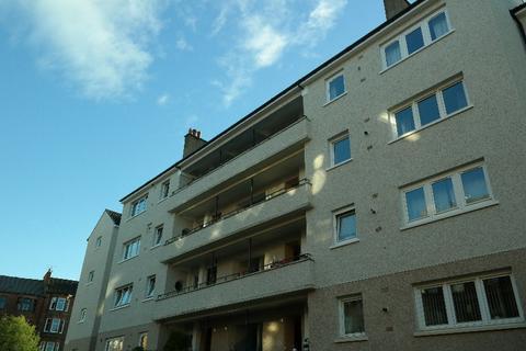 3 bedroom flat to rent - Thornwood Avenue, Thornwood, Glasgow, G11 7PU