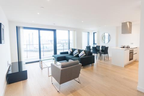 3 bedroom apartment for sale - Horizons Tower, Yabsley Street, Canary Wharf E14