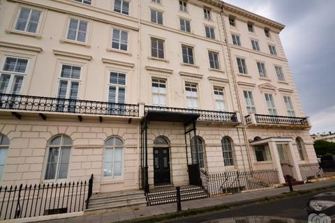 3 bedroom flat to rent - Adelaide Crescent Hove East Sussex BN3
