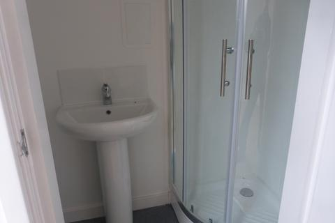 Studio to rent - Liverpool L8