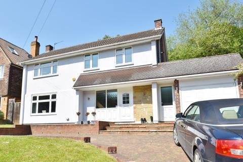 3 bedroom detached house to rent - Howards Wood Drive, Gerrards Cross, SL9