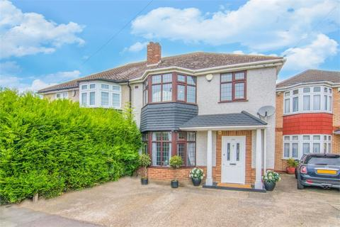 3 bedroom semi-detached house for sale - Wensleydale Avenue, Ilford, Essex