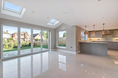 4 bedroom detached house for sale - Byfleet Avenue, Old Basing, Basingstoke, Hampshire, RG24