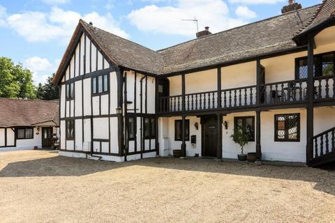 4 bedroom cottage to rent - Black Lake Close, Egham, Surrey