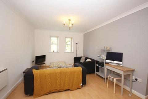 2 bedroom apartment to rent - Hadfield Close, Manchester