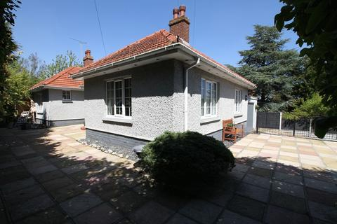 3 bedroom detached bungalow for sale - Walmer, Deal