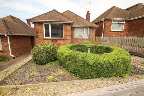 2 bedroom detached bungalow for sale - Downsview Road, Portslade, East Sussex, BN41 2HQ