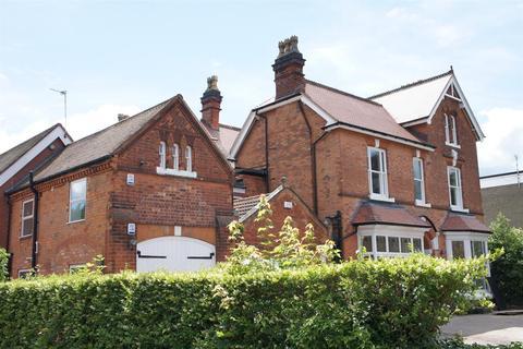 2 bedroom ground floor flat to rent - Kineton Lodge, St Bernards Road, Solihull, B92 7BA