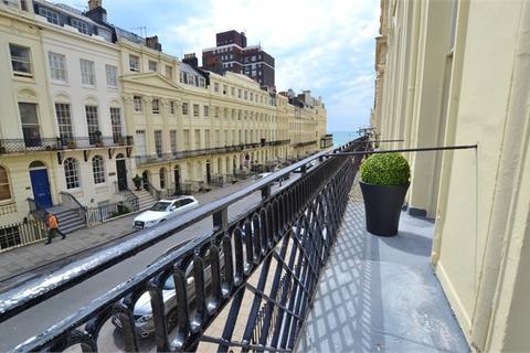 1 bedroom apartment to rent - Oriental Place, BRIGHTON, BN1