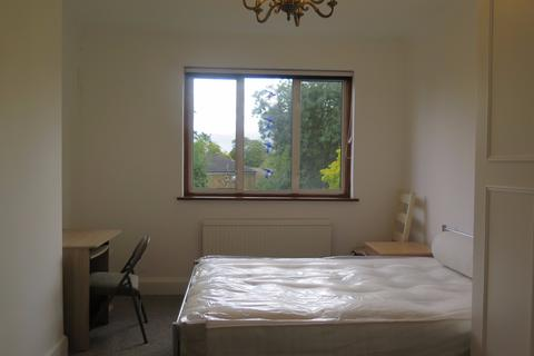 1 bedroom flat share to rent -  Bowes Road,  London, N11