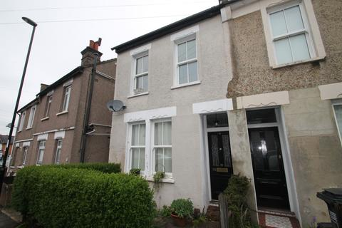 2 bedroom semi-detached house to rent - Bynes Road, South Croydon