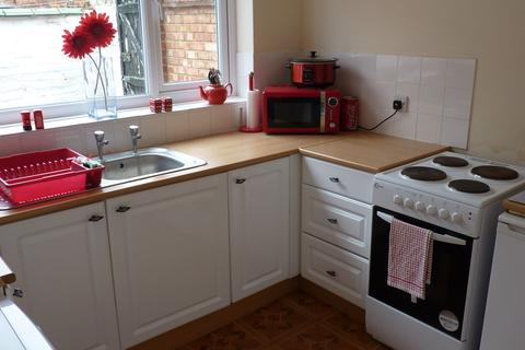 2 bedroom end of terrace house to rent - Middleburg Street, East Hull