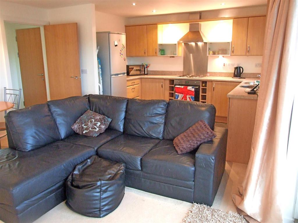 2 Bedrooms Apartment Flat for sale in Pentre Doc Y Gogledd, Llanelli