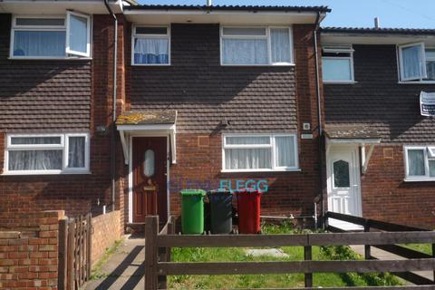 3 bedroom terraced house to rent - Seymour Road, Slough