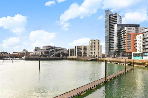 2 bedroom flat for sale - The Moresby Tower, Ocean Village