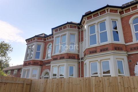 3 bedroom flat for sale - Ebury Road, Carrington