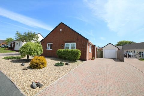 3 bedroom detached bungalow for sale - Fern Rise, Neyland, Milford Haven, Pembrokeshire. SA73 1RA