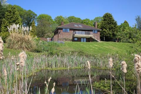 3 bedroom country house for sale - Hammerpond Road, Plummers Plain, Horsham