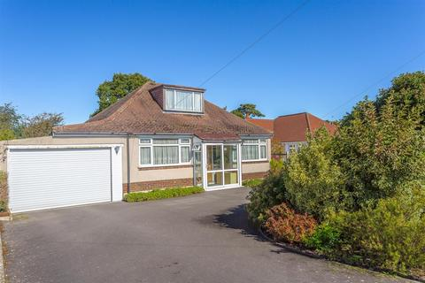 3 bedroom detached bungalow for sale - Waterer Gardens, Burgh Heath, Tadworth