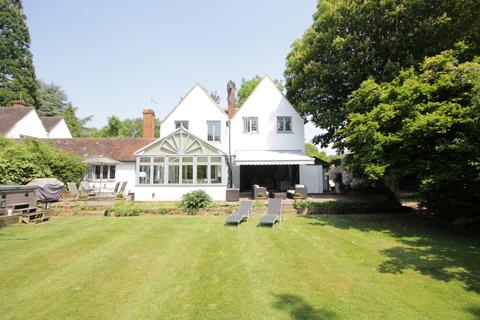 5 bedroom country house for sale - Henley Road, Maidenhead