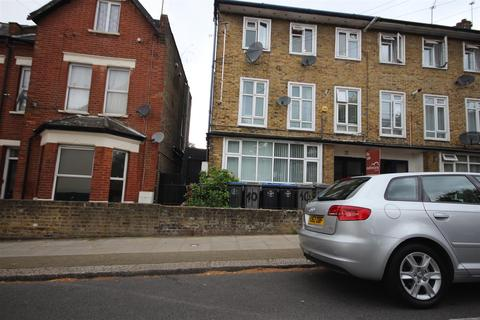 6 bedroom house for sale - Cecil Road, London
