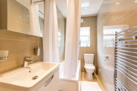 2 bedroom flat for sale - Cecil Road, London