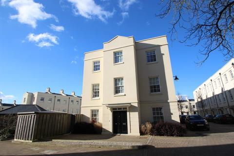 4 bedroom townhouse for sale - Mizzen Road, Plymouth
