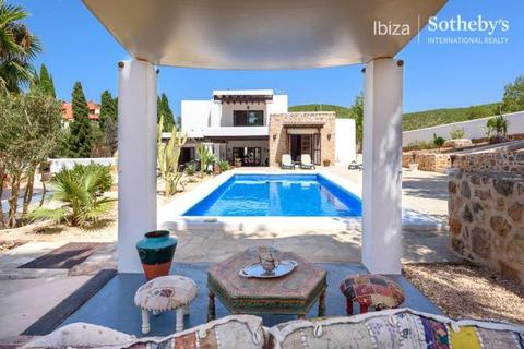 4 bedroom detached house  - Rustic-Style House With Views, Santa Eulalia, Ibiza
